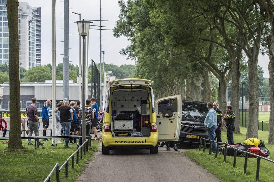 FC Utrecht-speler Leeuwin aangereden door scooter bij Zoudenbalch