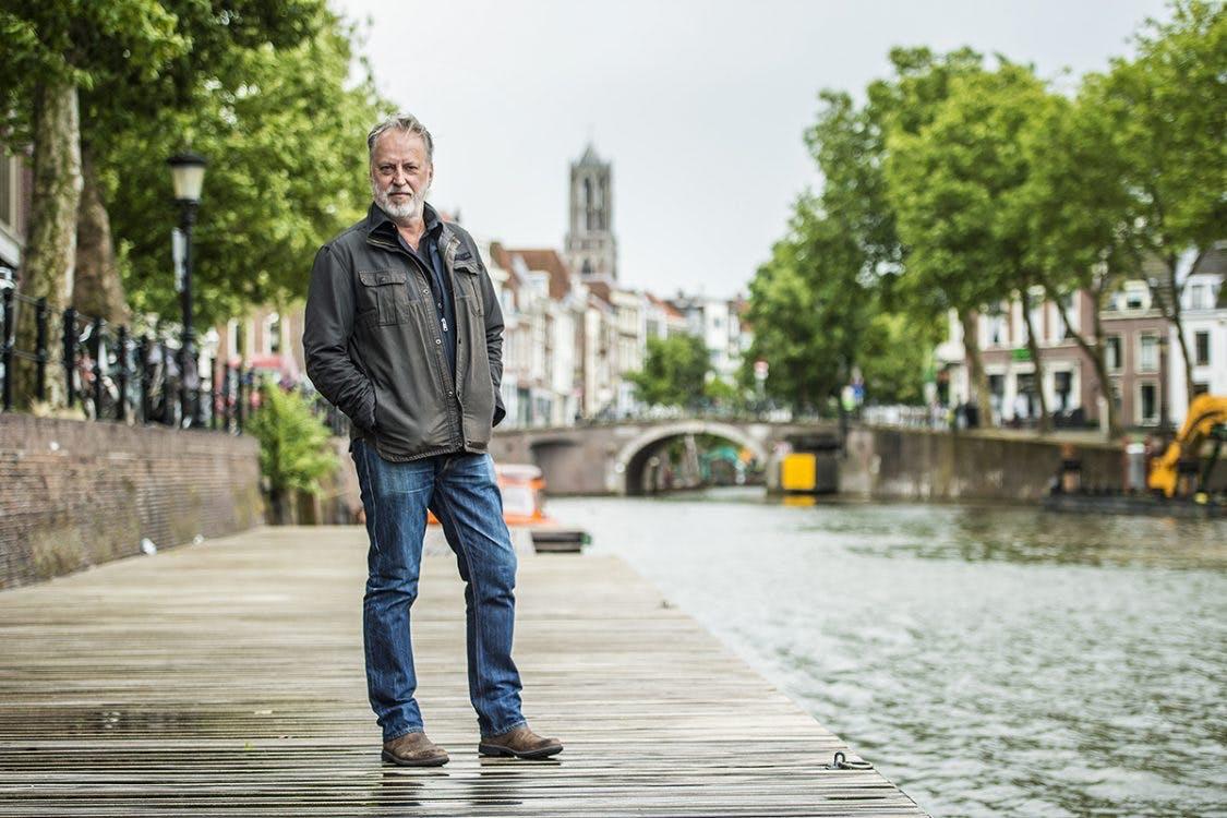 Rowwen Hèze-zanger Jack Poels: 'Spelen in Utrecht voelt als een thuiswedstrijd'