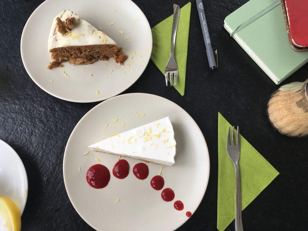 Jette & Jildou drinken koffie bij Lucas: 'Artistieke koffie en thee in een café-atelier'