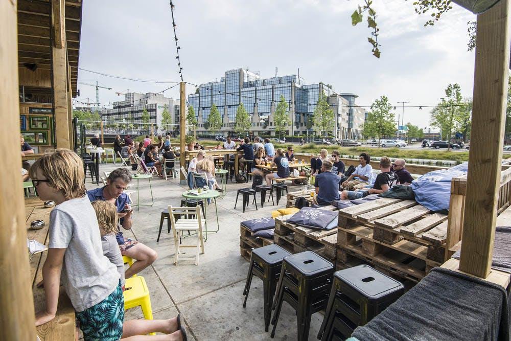 Dagtip: Openlucht pubquiz bij Roost aan de Singel