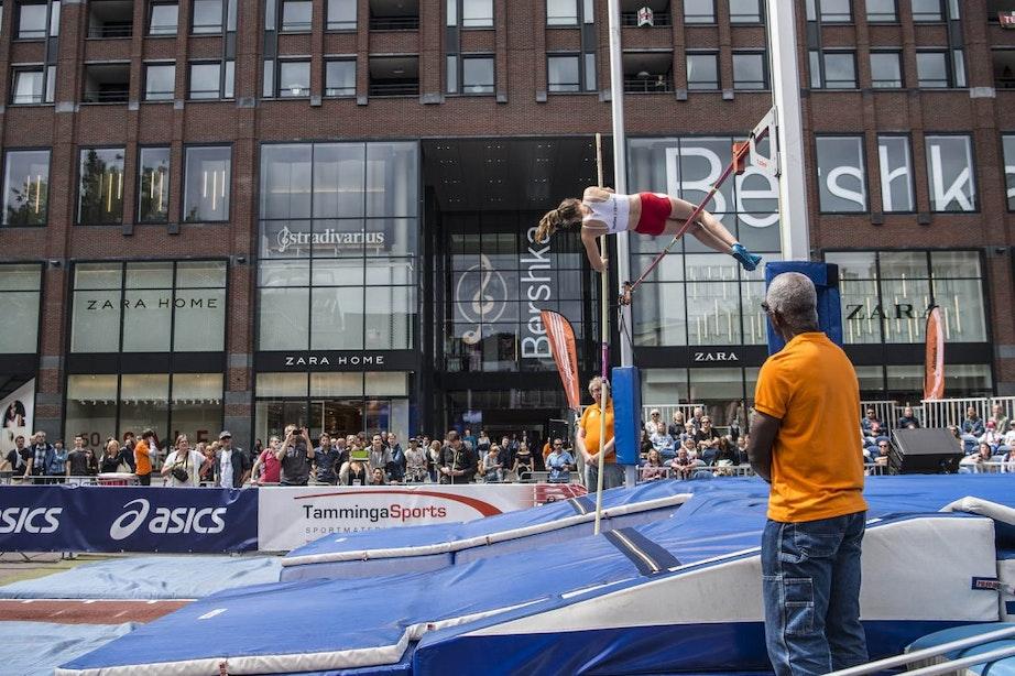 Foto's: Polsstokhoogspringen op het Vredenburgplein