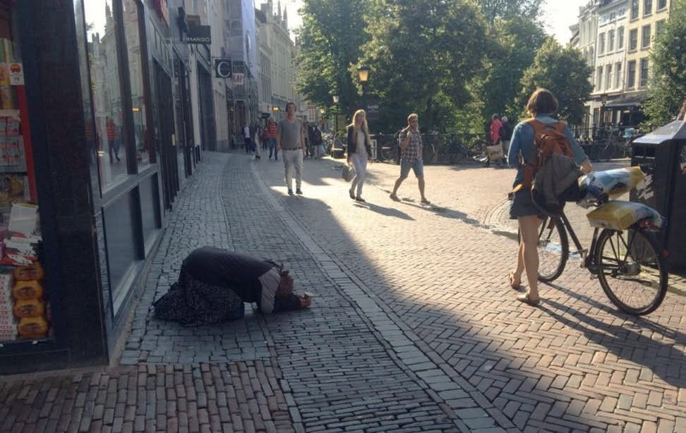 Oost-Europese bedelaars weer terug in de binnenstad; VVD en SP willen oplossing