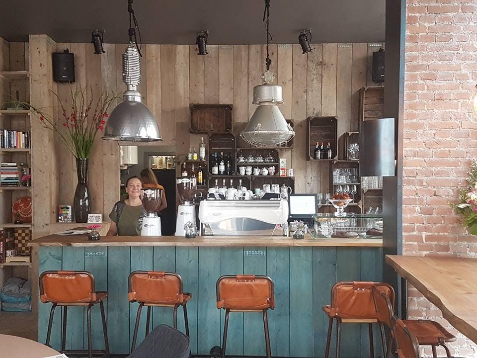 Koffiecafé ONZ zorgt voor huiskamersfeer in Wittevrouwen