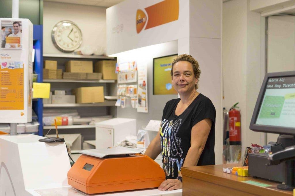 The Read Shop Oudegracht in verzet tegen PostNL: 'Ik werk niet meer voor een schijntje'