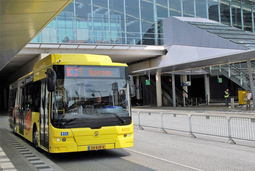 Nieuwe elektrische bussen draaien proef op lijn 1