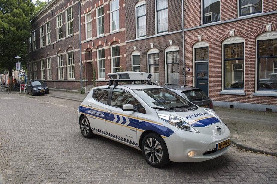 De parkeerbon onder de ruitenwisser is in Utrecht verleden tijd