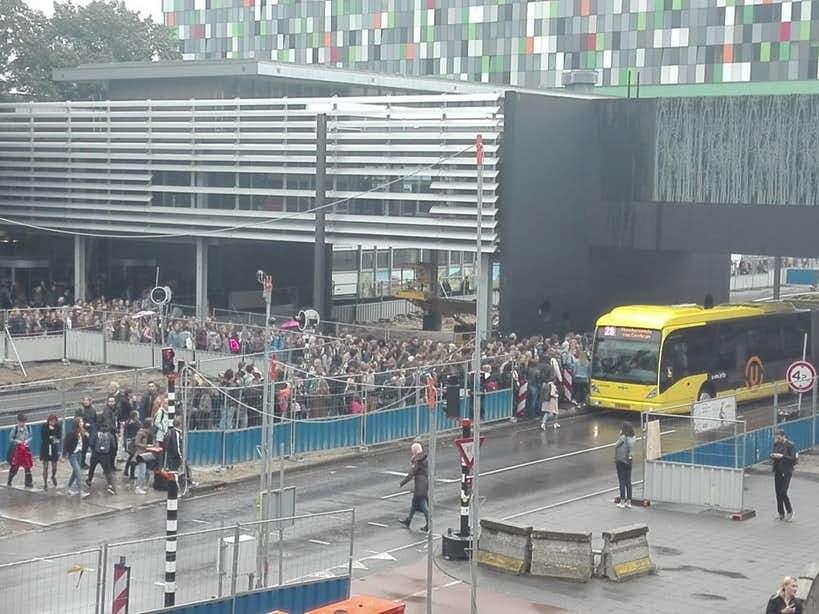 Geen maatregelen tegen chaotische drukte bushalte Uithof