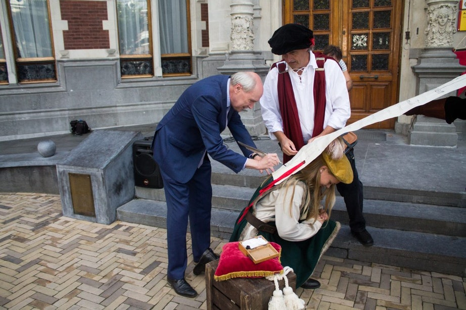 Vernieuwd Domplein officieel geopend