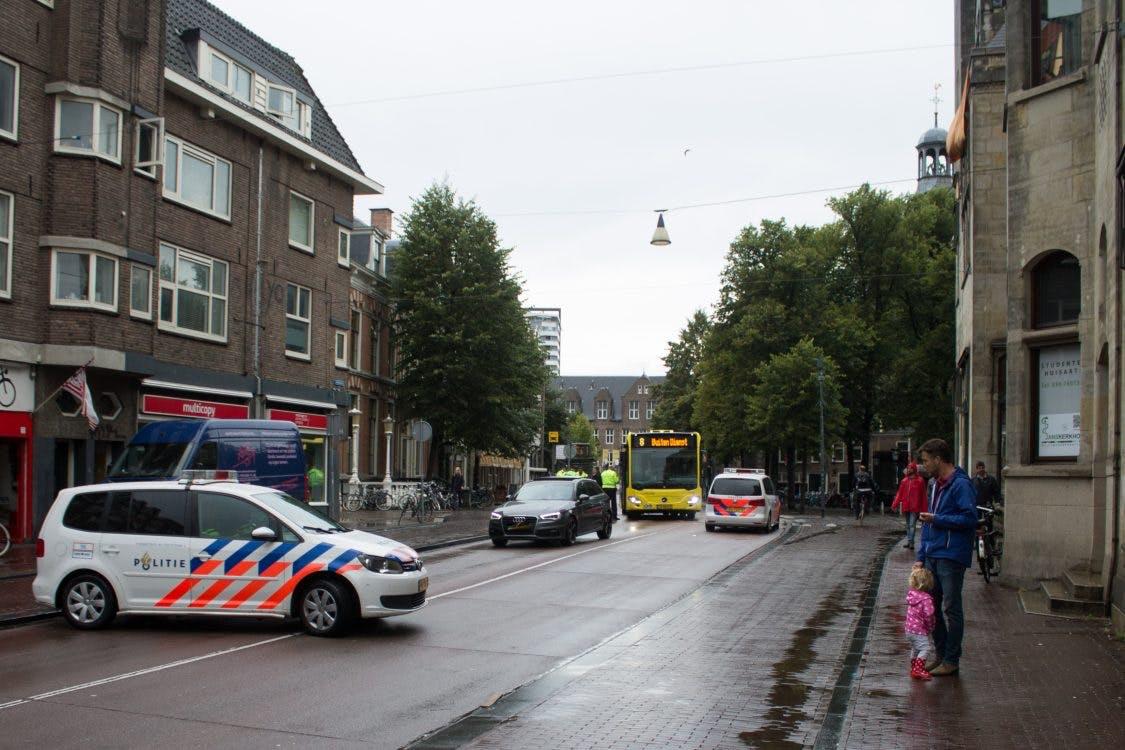 Fietser gewond na aanrijding met bus