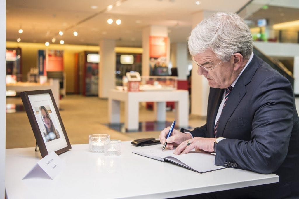 Condoleanceregister voor Anne Faber geopend in Stadskantoor