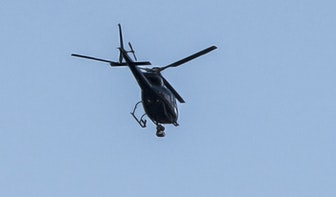 Helikopterbedrijf in de clinch met gemeente nadat ze dj niet mocht ophalen