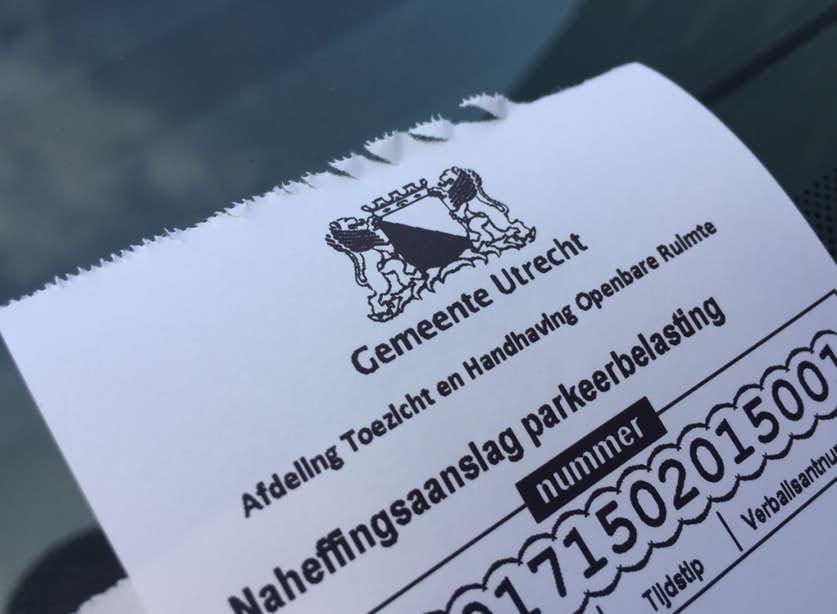 Uitschrijven van parkeerboetes kost gemeente meer dan het oplevert