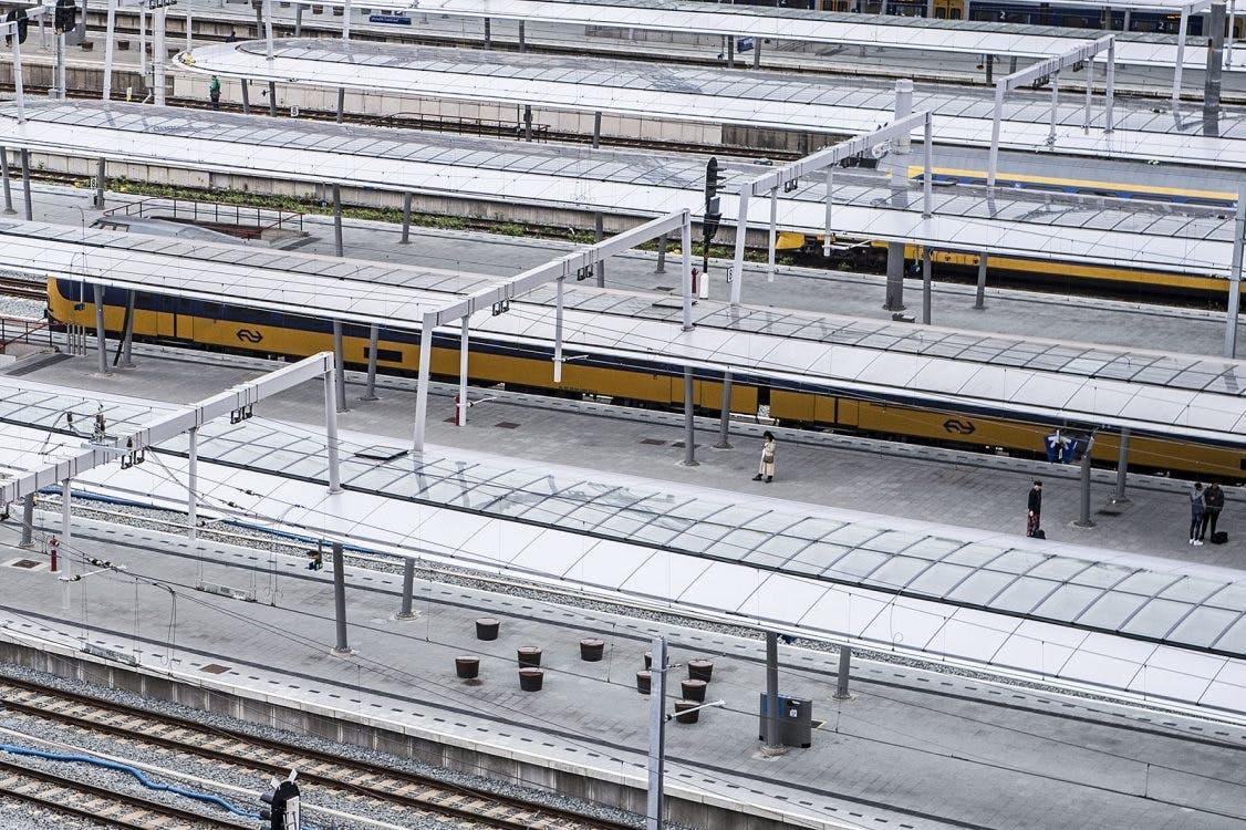 Geen treinen tussen Utrecht Centraal en Hilversum door aanrijding