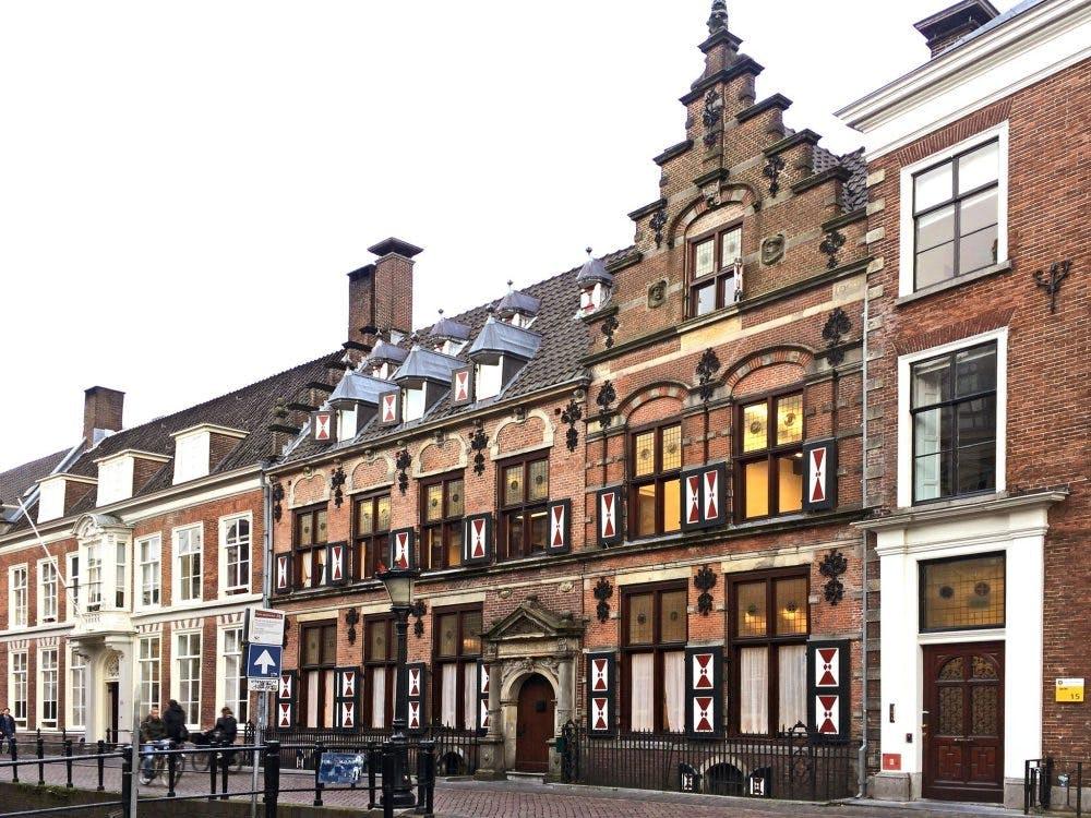 Drift 17: eeuwenoud woonhuis werd Utrechtsche Hypotheekbank