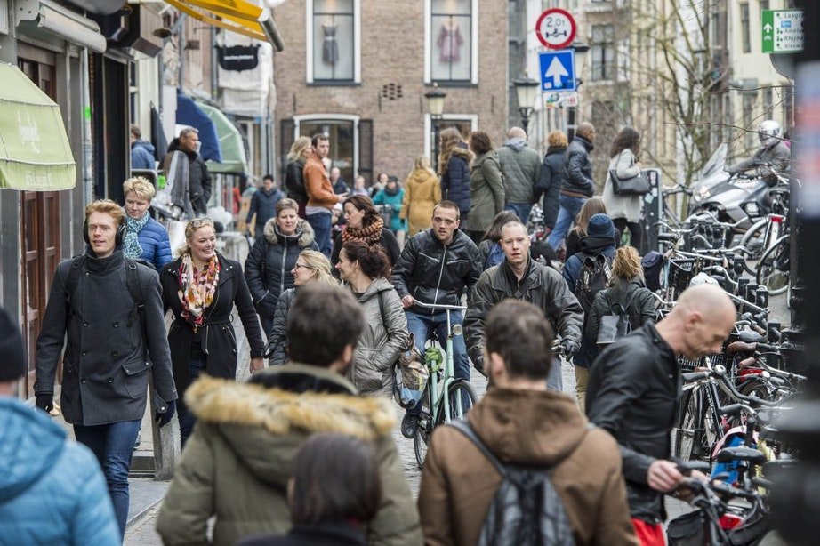 Uitbreiding voetgangersgebied komt eraan: 150 extra fietsklemmen op de Oudegracht