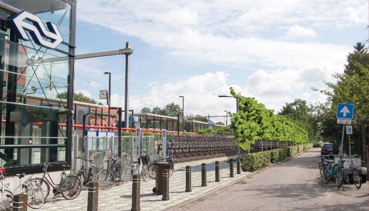 Tientallen bewoners boos over plan extra fietsenrekken bij station Overvecht