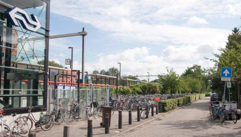 Alternatief plan voor fietsenrekken bij station Overvecht door bewoners