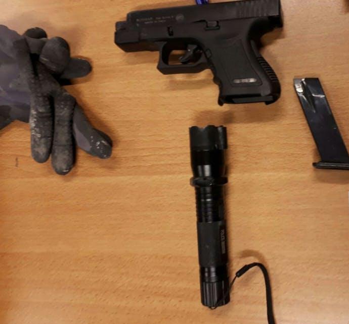 Politie plukt minderjarigen met wapens van bouwterrein Leidsche Rijn