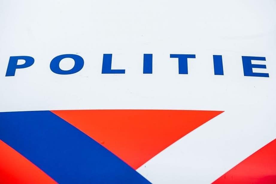 Vijf Utrechters gearresteerd voor diefstal politiekleding