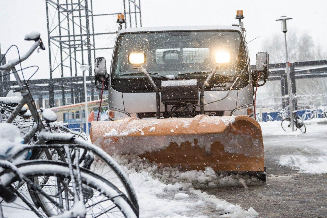 Openbaar vervoer rijdt weer en wegen begaanbaar