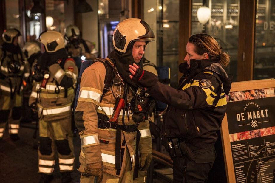 Veel rookontwikkeling bij restaurant aan Drieharingstraat na brand