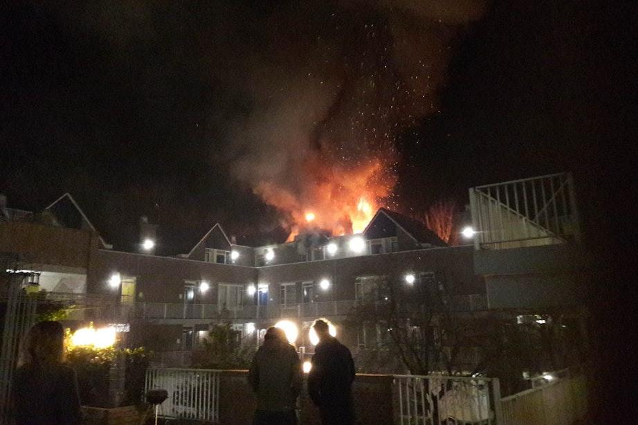 Grote brand in Overvecht: gewonde en tientallen woningen ontruimd