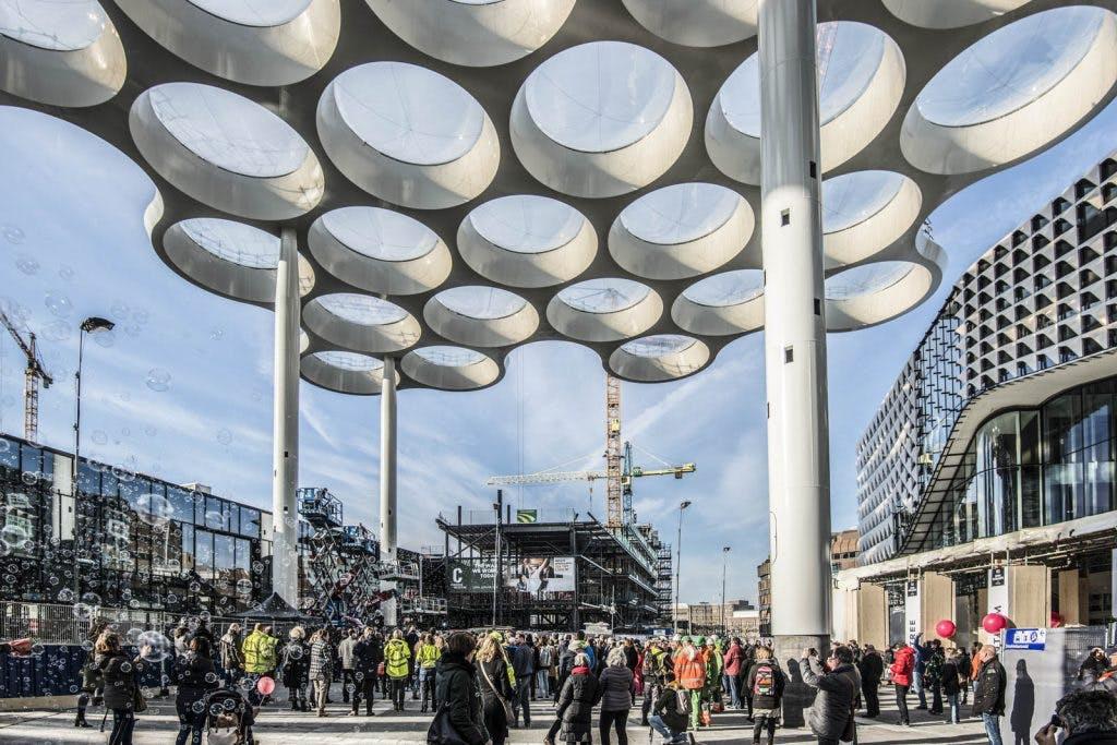 Het gloednieuwe Stationsplein Utrecht is geopend: zo ziet het eruit