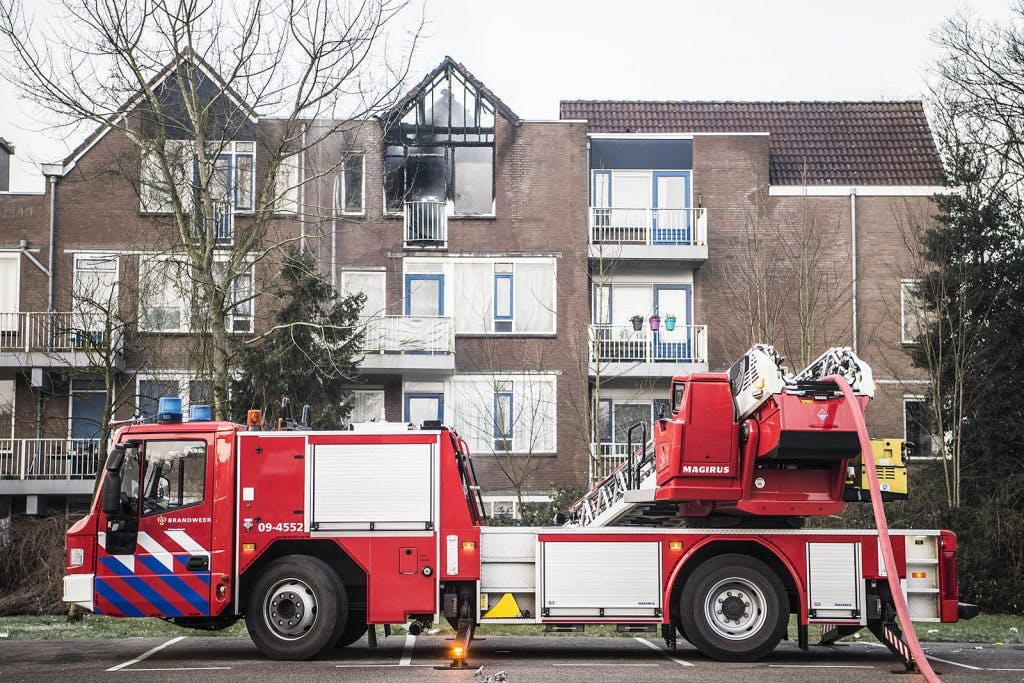 Nog een aantal huizen onbewoonbaar na grote brand aan Gloriantdreef in Overvecht