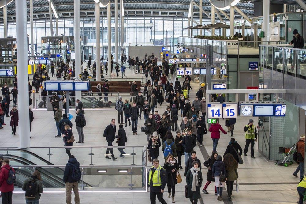 Verdachte brandstichting station Utrecht Centraal en Jaarbeurs meldt zich bij politie