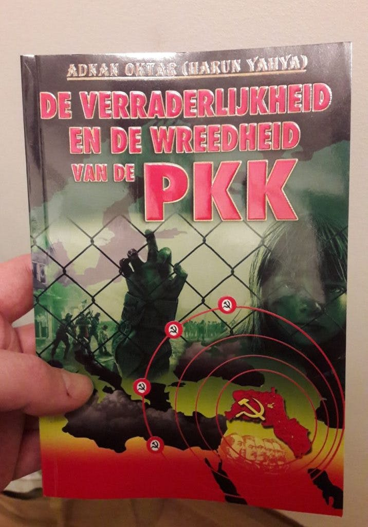 Turks anti-PKK boek verspreid in Transwijk