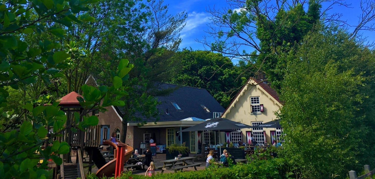 Feest bij restaurant Bij Hen; Muziek en proeven van de nieuwe kaart tijdens 2-jarig jubileum
