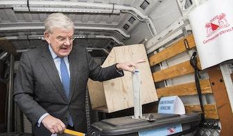 Burgemeester van Utrecht Jan van Zanen heeft gestemd: 'Ga dat allemaal doen'