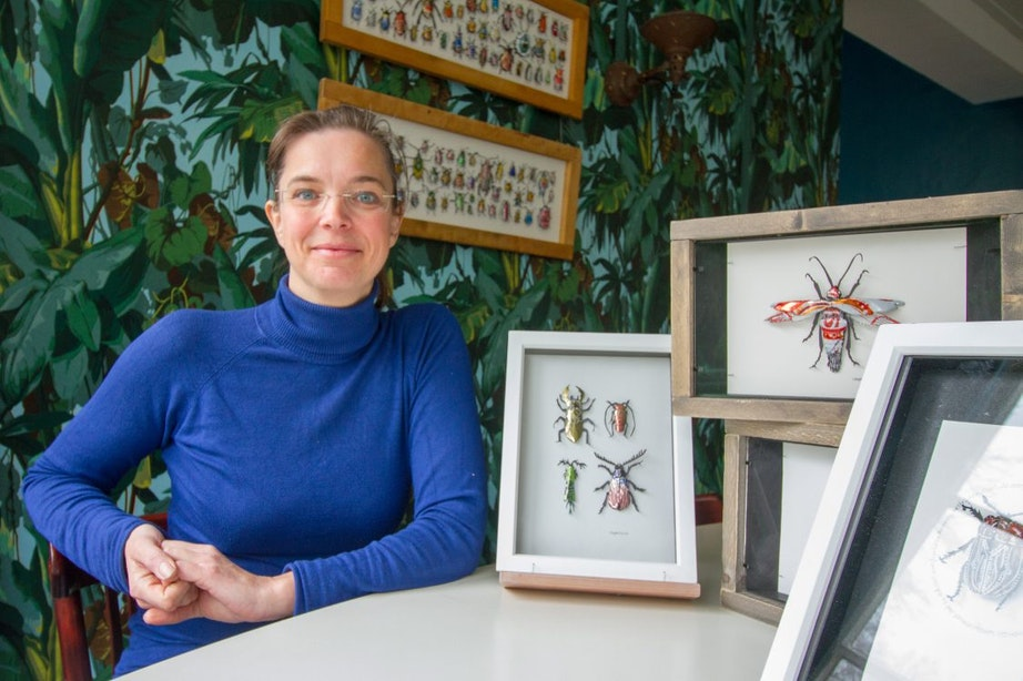 """Blik-kevers kunstenares Sandra Westgeest vliegen uit: """"Veel kevers zijn afvalverwerkers"""""""