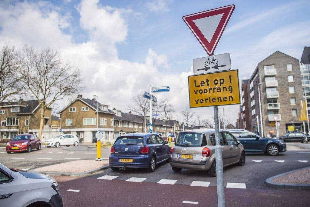 'Verkeersplein 't Goylaan juridisch onduidelijk maar wel veilig'