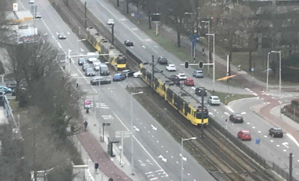 Tram botst op auto bij Weg der Verenigde Naties in Utrecht