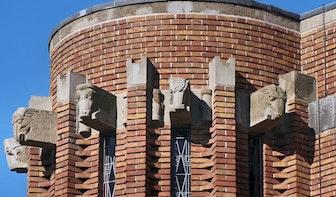Kunst aan gebouwen: Dierenkoppen aan het Anatomiegebouw