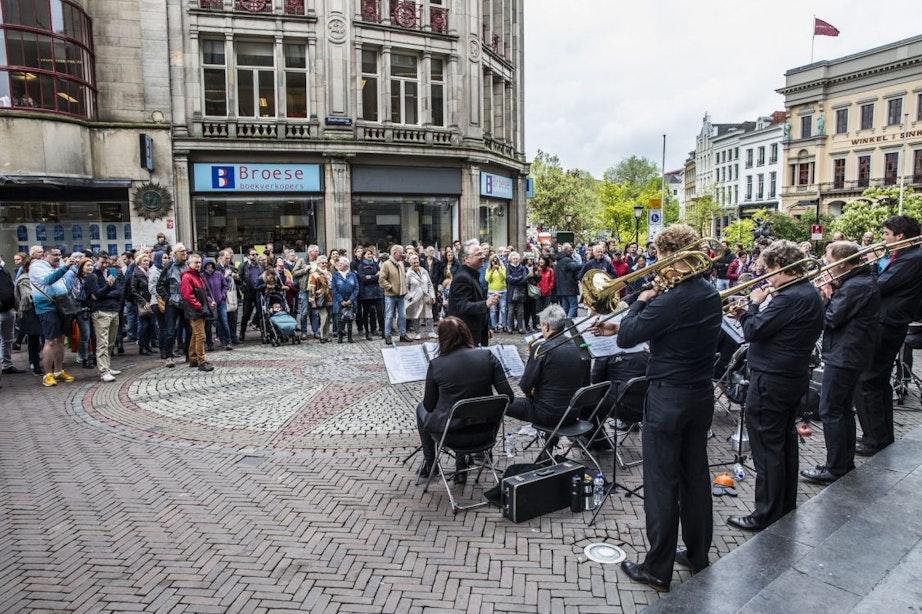 Foto's: Gratis concerten binnenstad trekken veel bekijks