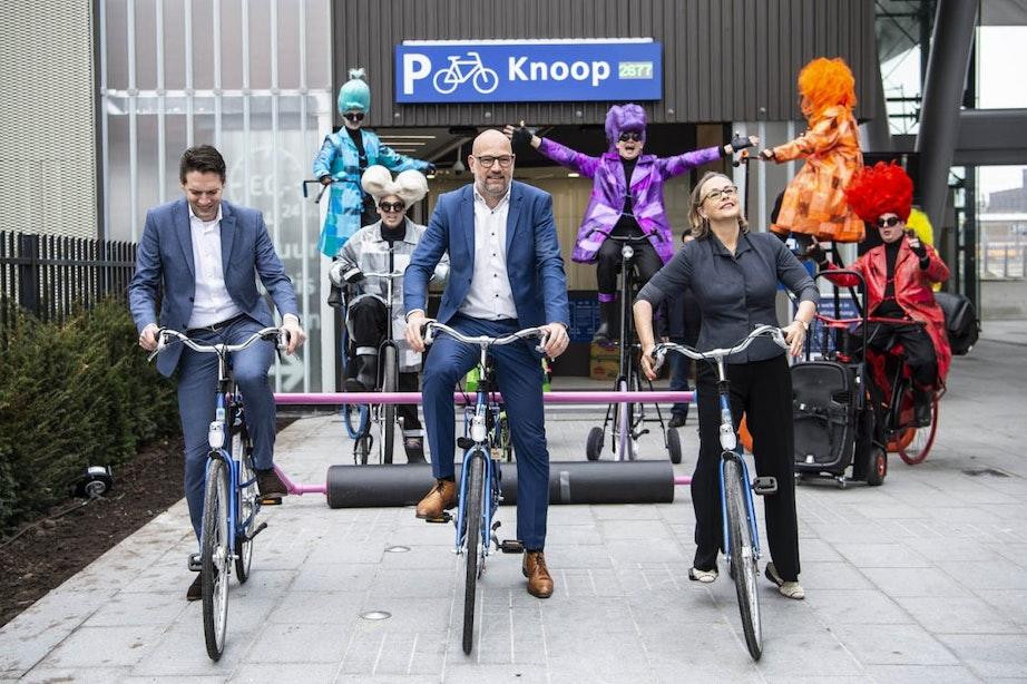 Foto's: dit is de nieuwe Knoop-stalling met 3200 fietsenrekken in Utrecht