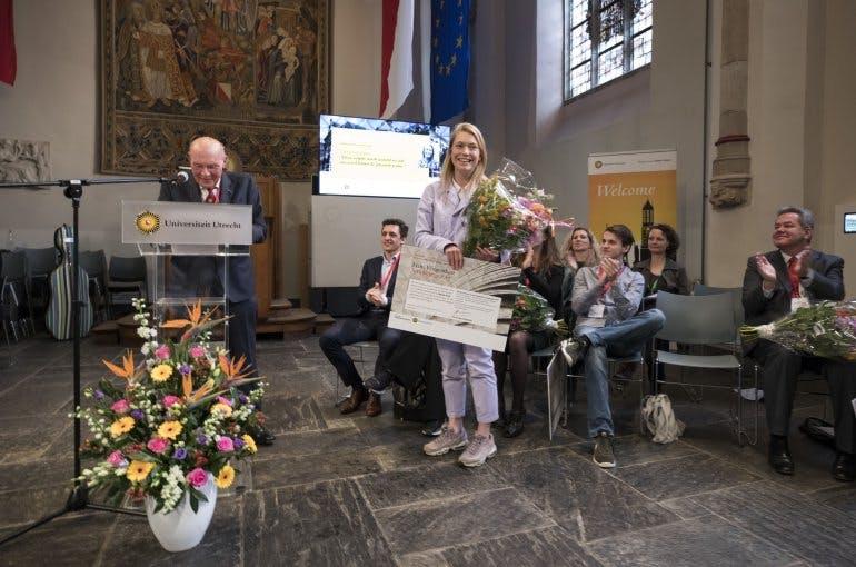 Aafje de Roest wint scriptieprijs voor onderzoek naar Nederlandse hiphop artiesten