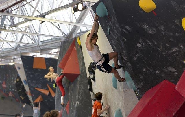 Goud voor jeugdklimmer uit Utrecht op het NJK Boulder