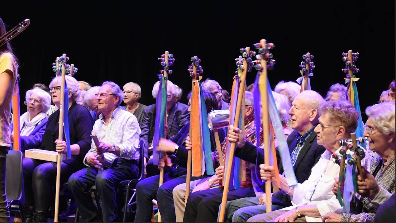 Het Grijze Koppen Orkest in actie voor de 'Age Friendly Cultural City'