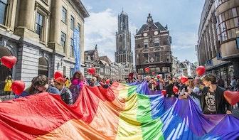 Gemeente Utrecht hangt op 1 april de regenboogvlag uit vanwege 20 jaar homohuwelijk