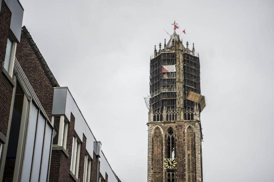 Songfestivalnummer Waylon klinkt vanmiddag van grote hoogte in Utrecht