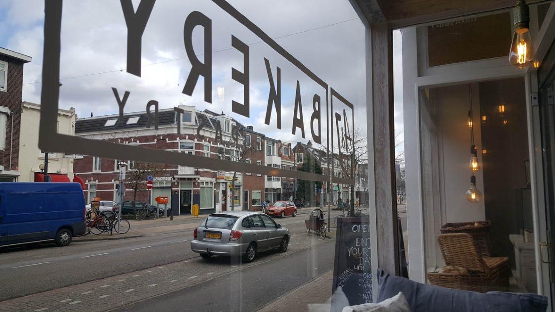 Veganistische A&J Bakery aan de Amsterdamsestraatweg is gesloten