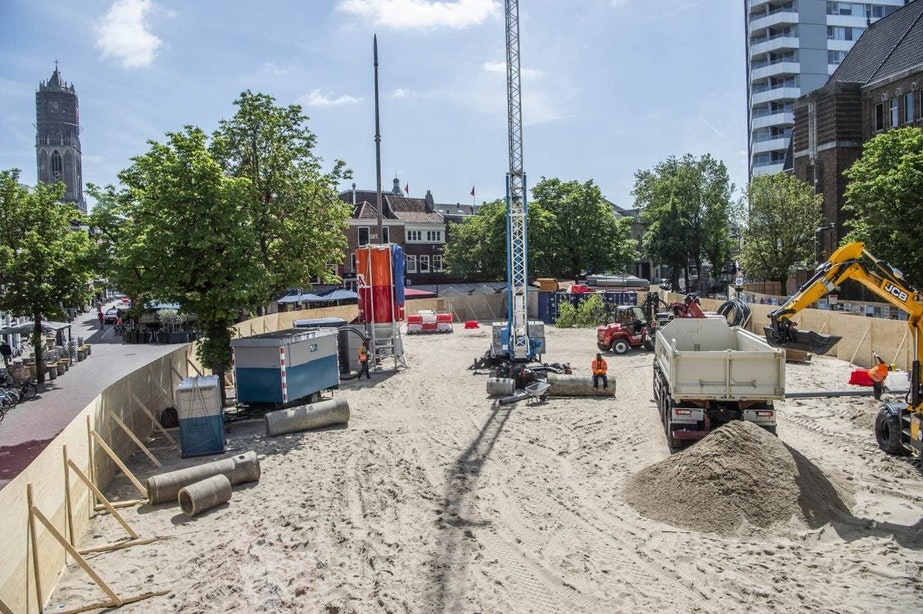 'Bouwplaats' op de Neude wordt weer afgebroken: dreigmails, internationale aandacht en 11.000 bezoekers