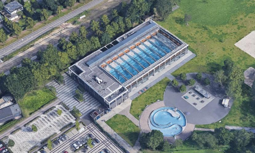 Zwembad De Krommerijn wordt verbouwd: langer buiten zwemmen en nieuwe sportvelden