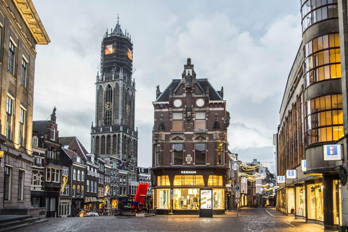 SP organiseert stoepkrijtwedstrijd voor stadhuis Utrecht