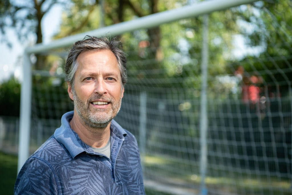 Het leven van een voetbalvader: De rode sok