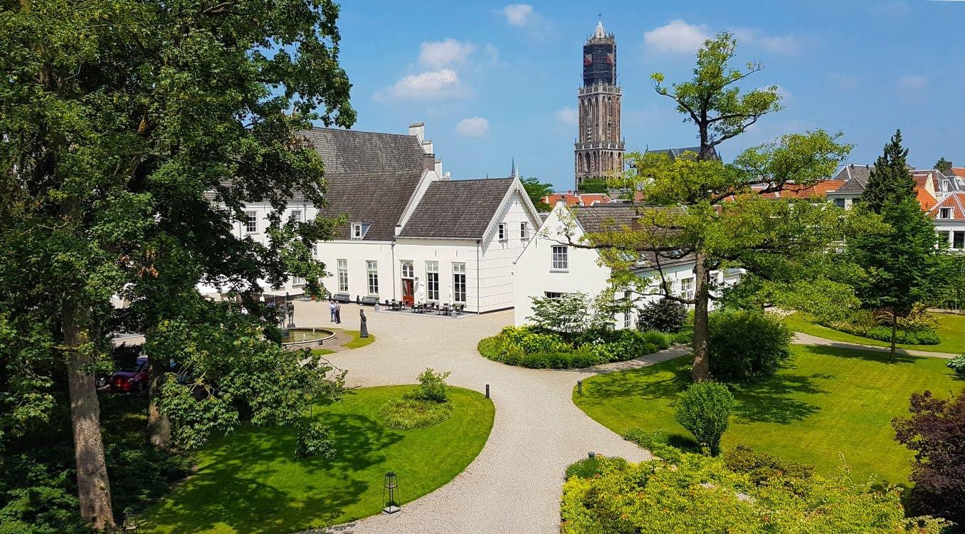 Verborgen tuinen van hotel Karel V in Utrecht gaan in de zomer open voor publiek