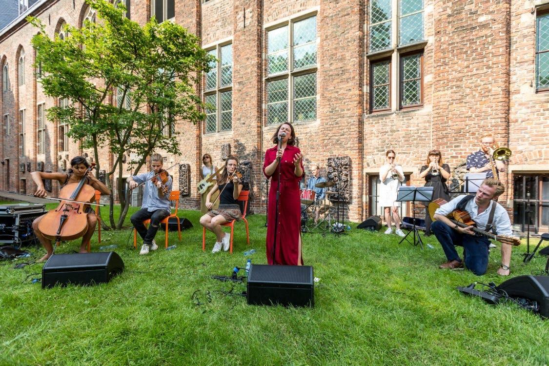 Artiesten van Rabo Next Stage spelen tijdens Culturele Zondag